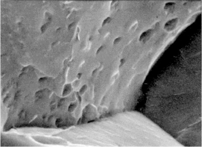 Methane bubbles form on grain boundaries which weaken the steel