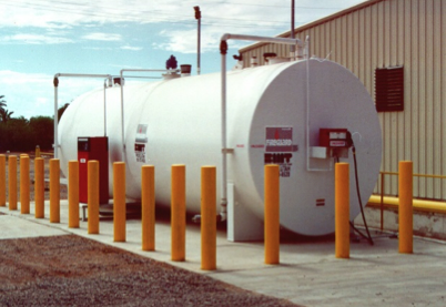 Double-wall tank with overfill prevention